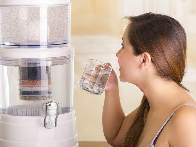 Órgãos da Europa recomendam tomar água filtrada ou fervida. © Pablo Hidalgo | Dreamstime.com