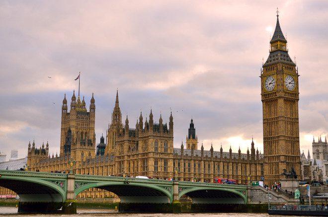 Se quer trabalhar na Inglaterra prepare-se pois existem 26 tipos de visto.© Chee-onn Leong | Dreamstime.com