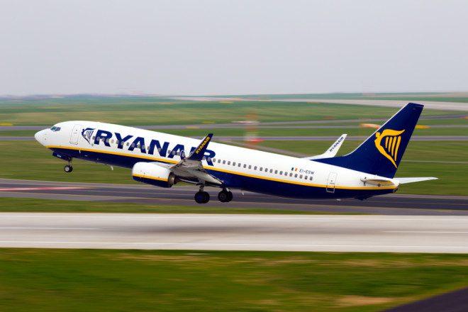 Ryanair é uma das empresas aéreas mais baratas da Europa.© Senohrabek | Dreamstime.com
