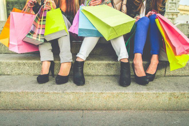 O que as meninas precisam trazer na mala para o intercâmbio? Fonte: Shutterstock