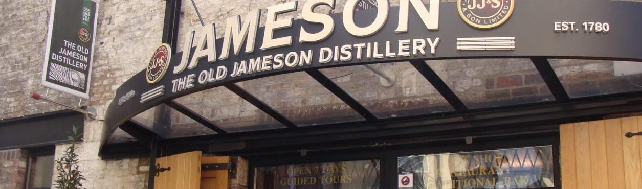 Conheça a Destilaria Jameson em Dublin – All That Jess#43