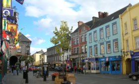 Quer desfrutar do estilo medieval? Seu destino é Kilkenny