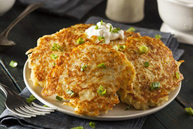 Tem como não amar a Irlanda e suas mil formas de comer batatas? Créditos: Shutterstock.