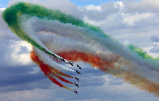 Manobras radicais vão colorir o céu. Foto: Twitter