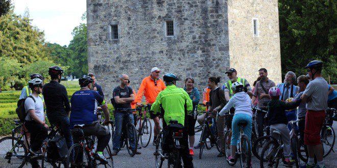 Tour de bicicleta refazendo o percurso do personagem principal de Dublin James Joyce.Reprodução: Eventbride