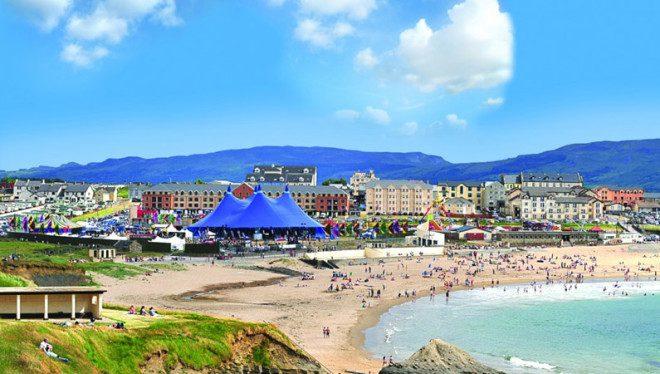 Bundoran e Donegal são cenários do Sea Sessions. Reprodução: OConnor Coaches