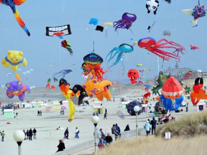 O céu na praia de Clontarf vai ficar mais colorido. Reprodução: Event