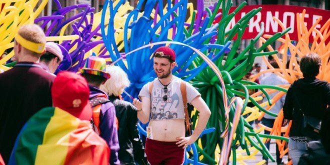 A parada gay é um evento que conta com a participação de mais de 7 mil pessoas. Reprodução: Dublin Pride