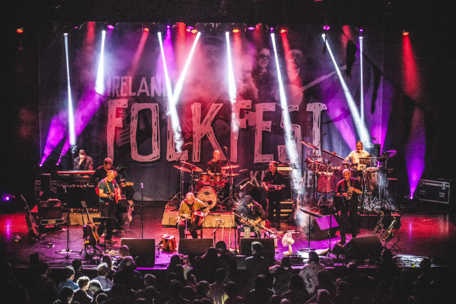 O evento traz o melhor da música folk irlandesa e internacional. Foto: West Cork Times