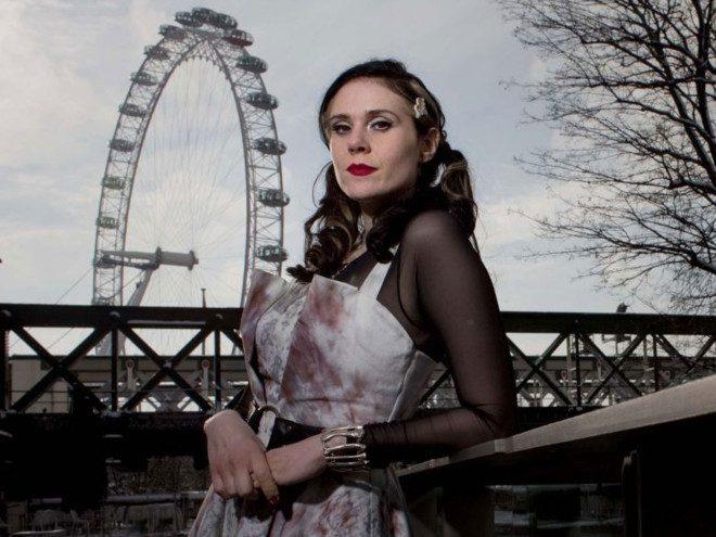 Apresentação da cantora britânica. Foto: The Independent