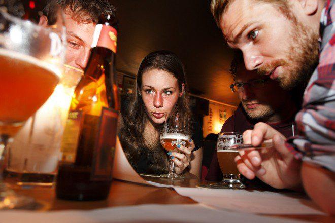 Pub quizzes testam conhecimentos em diversas áreas. Foto: Quizz Night