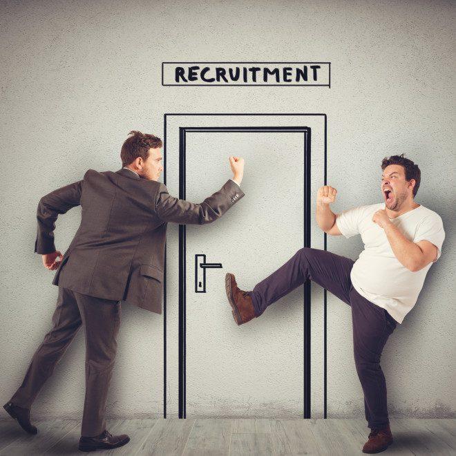 Alto número de desempregados e a incerteza do emprego afetam a crise no Brasil. Crédito: Depositphotos / alphaspirit