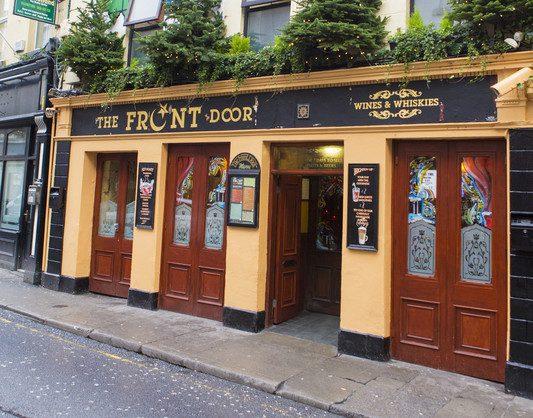 Front Door Pub Galway_© Adrea _ Dreamstime