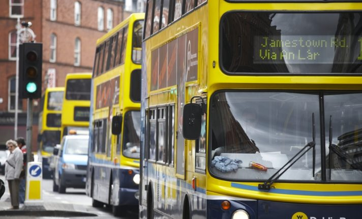 Já pensou em ser motorista de ônibus em Dublin?