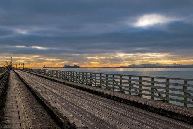 Ponte localizada na baía de Dublin, acesso à Bull Island. Foto: Katanikradoslav/Dreamstime