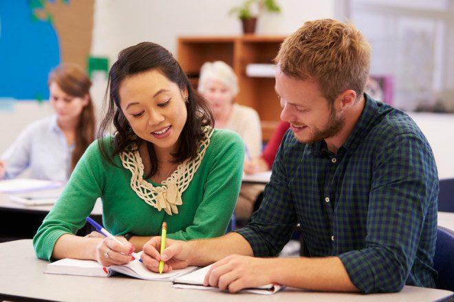Com um custo de vida acessível, a cidade atrai muitos estudantes estrangeiros. Crédito: Dreamstime