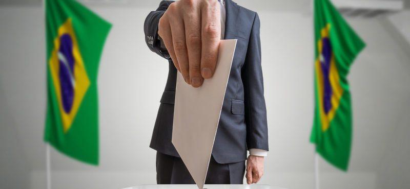 Brasileiros têm até maio para regularizar título e votar no exterior em 2022