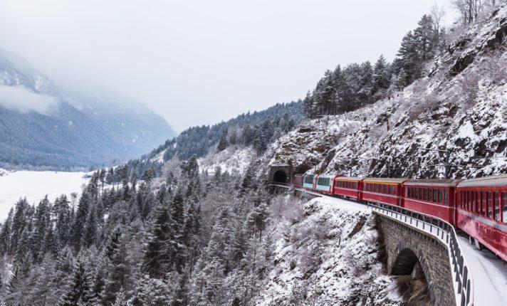 Viaje pelos Alpes Suíços a bordo do trem Glacier Express