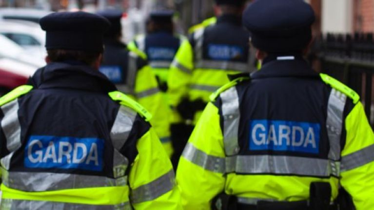 Brasileiro se entrega e é preso em Dublin após denúncia de agressão a namorada