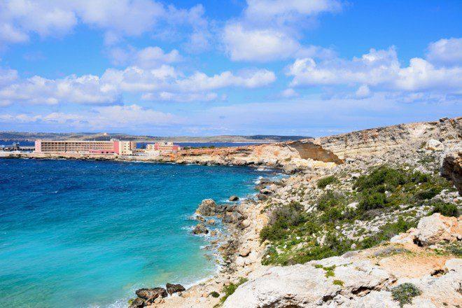A Paradise Bay é destino de Malta para quem procura tranquilidade. Foto: Arenaphotouk/Dreamstime