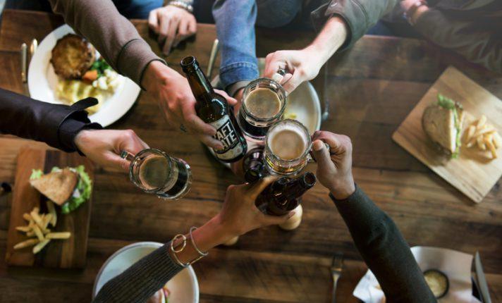 7 regras sobre o consumo de bebidas alcoólicas na Irlanda