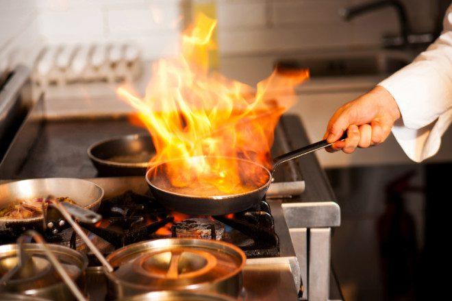 Visto de trabalho para chefs: Chefs da Europeusa já estão sendo recrutados para trabalhar na Irlanda e a expectativa é contratar não -europeus também. Foto: Stockyimages/Dreamstime
