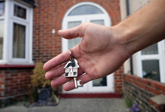 Crise imobiliária tem deixado pessoas suscetíveis a golpes na Irlanda. Foto: Chris Brignell   Dreamstime