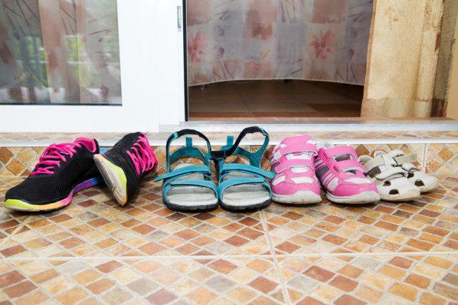 Calçados ficam do lado de fora das casas russas. Foto: Vera Volkova | Dreamstime