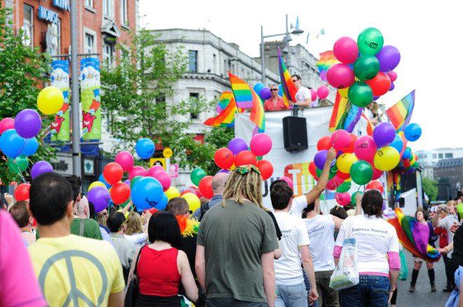 Parada LGBTQ de Dublin reuniu mais de 30 mil pessoas no ano passado e neste ano acontece em 30 de junho. Foto: Dublinuser/Dreamstime