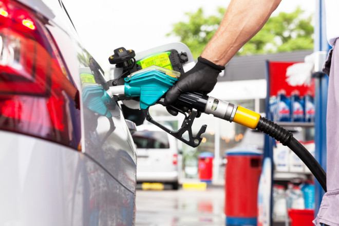 Ao escolher o veículo tenha em mente o combustível do mesmo. © Wellphotos   Dreamstime.com
