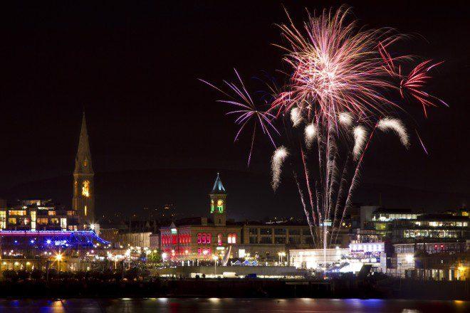 Dun Laoghaire vai acender as luzes natalinas no sábado, dia 24. Foto: Dun Laoghaire Harbour