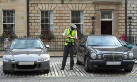 Como são as regras para dirigir na Irlanda?