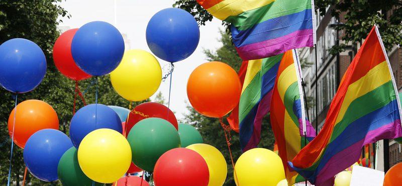 Festas esquentam o dia da Parada Gay de Dublin