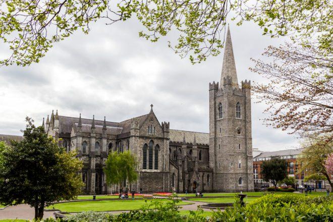 A população começa a crescer a partir do século 14. Dessa época, é possível conhecer a catedral St. Patrick's.© Bongkochrut Rojanatreekoon | Dreamstime.com