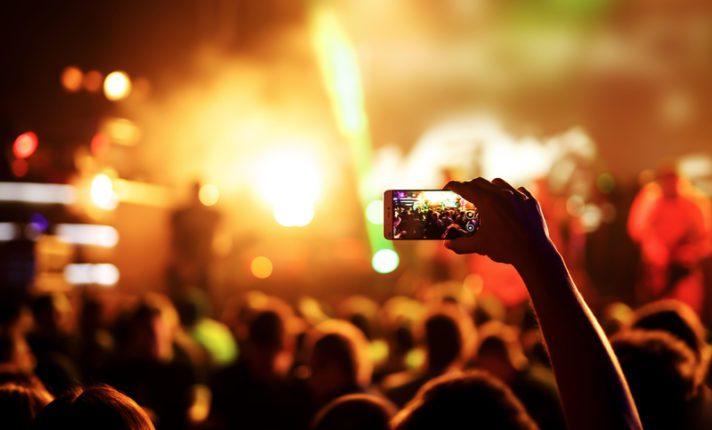 Irlanda proíbe eventos com mais de 5 mil pessoas até o fim de agosto