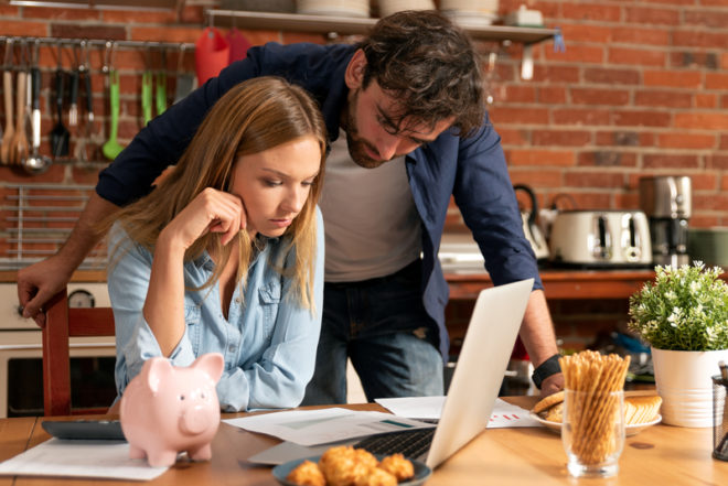 O orçamento é algo super importante na hora de fechar o intercâmbio.©Piotr Adamowicz | Dreamstime.com