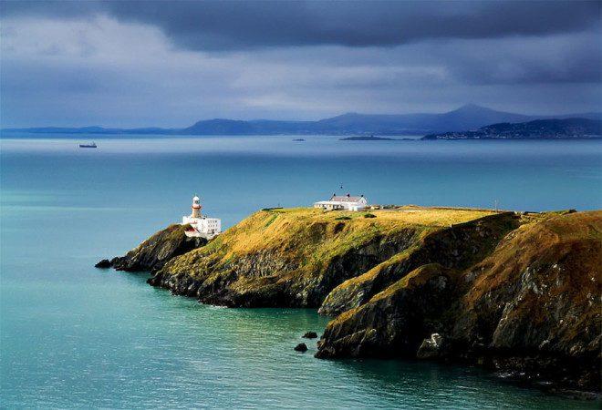 A Irlanda me conquistou por suas belezas naturais. Foto: Howth Express