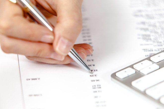 O bank draft é uma forma de comprovação financeira e pode facilitar a sua vida. Crédito: RightFramePhotoVideo | Dreamstime.com