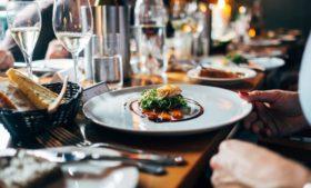 Quais restaurantes na Irlanda possuem estrelas Michelin?