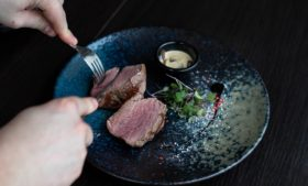 Empresa em Dublin contrata provadores de carne