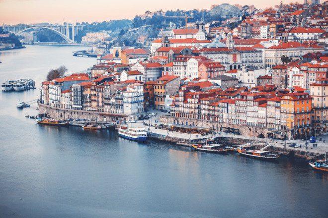 Porto é a segunda maior cidade de Portugal.© Olezzo | Dreamstime.com