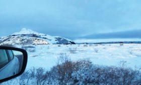 Como é dirigir no inverno da Islândia?