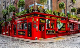 Temple Bar: conheça o bairro mais famoso de Dublin
