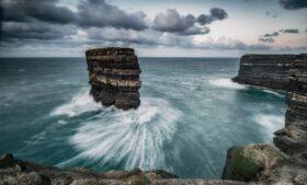 Tempestade Ellen causa estragos na Irlanda