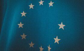 Reino Unido oficializa saída da União Europeia