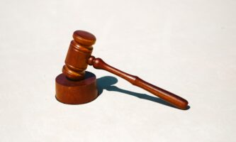 Escritório de advocacia na Irlanda oferece serviços em português
