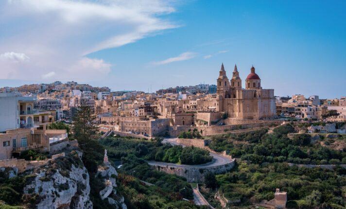 Intercâmbio em Malta: informações sobre vistos, custo de vida e dicas