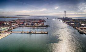 Qual é o maior porto da Irlanda?