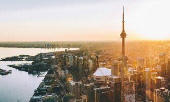 Qual é a cidade mais quente do Canadá?