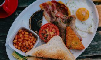 Irish Breakfast: história, onde encontrar e como preparar o prato